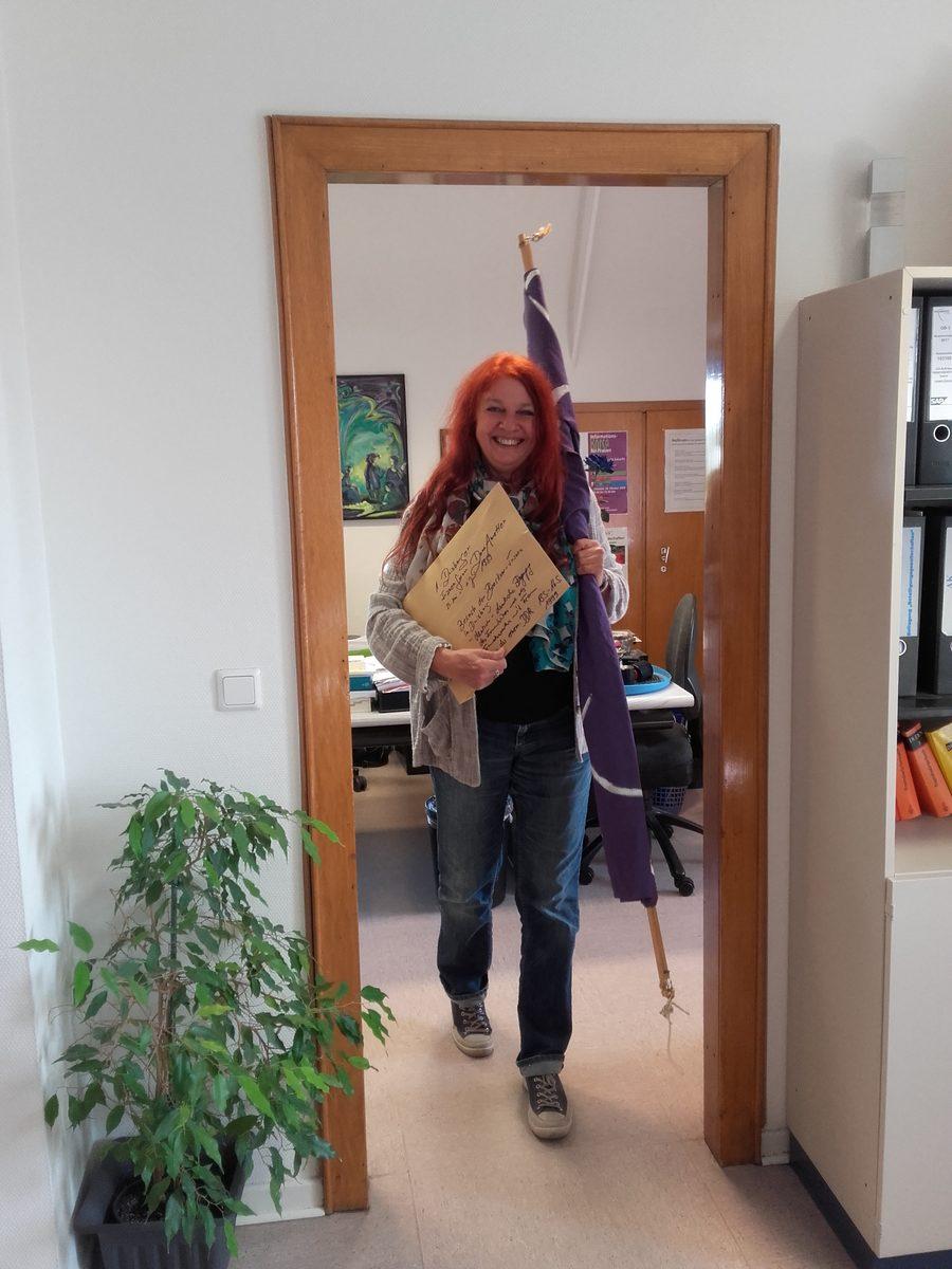 Doris Freer an ihrem letzten Arbeitstag im Frauenbüro; Foto: privat